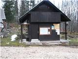 Slovenske planine v vseh letnih časihPoleg je informativna točka.