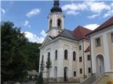 Znamenja (križi in kapelice) na planinskih potehŽe v Adergasu velika cerkev.