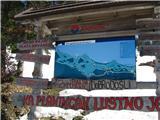 Slovenske planine v vseh letnih časihPano pred plačljivo cesto naprej na Krvavec.