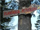 Slovenske planine v vseh letnih časihNa odcepu zvemo kaj nas čaka.