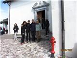 Romanje na Sv. Višarjepa še skupinska pred cerkvijo