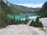 DolomitiPogled na jezero s poti proti vrhu Croda del Beco