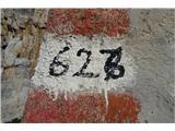 Piz Boezgleda, da se niso mogli ravno sporazumeti kako bi jo oštevilčili, na karti Tabacco 05 je 626