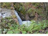 Slovenski slapovi vodotokov Obstajata še dva umetna slapova , ki pa jih je ustvaril človek s pregradami za divjo rečico.