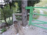 Razpotje Vragovec - presernova_koca_na_stolu