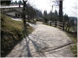 Planina pod Golico - smucarski_dom_crni_vrh