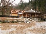 Dom v Iškem Vintgarju - iski_vintgar_vrbica