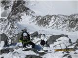 Mont Blanc / Monte BiancoŠe en lep pogled na preplezan greben, spodaj nas se vidi gneča navez na grebenu ...