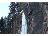 Ledni plezalec Janez Svoljšak petiJanezova ponovitev smeri Saphira (M15-) v Koloradu (foto Sara Jaklič).