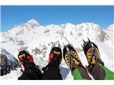 Za varnejše obiskovanje goraV gore sodijo klasične pohodne dereze z 12 zobmi (foto Manca Čujež).