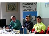 S skupnimi močmi za varnejši obisk gora...Janko Rabič, Matej Planko in Matjaž Šerkezi (foto Manca Čujež).