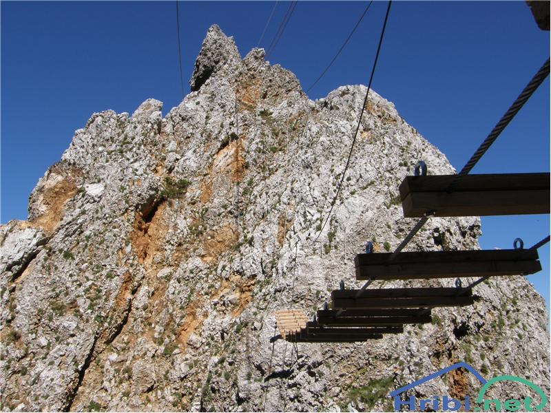 SlikaViseči most ob plezalni poti na Košutnikov turn (ÖTK Steig Neu).